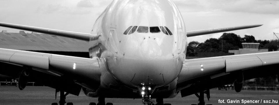 Lataj ze smartfonem! Czyli o nowej jakości usług lotniczych